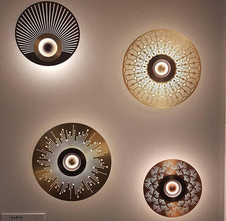 Modern Luxury Round Shape Etched Surface Copper LED Wall Lamp for Hotel Bedroom M40314